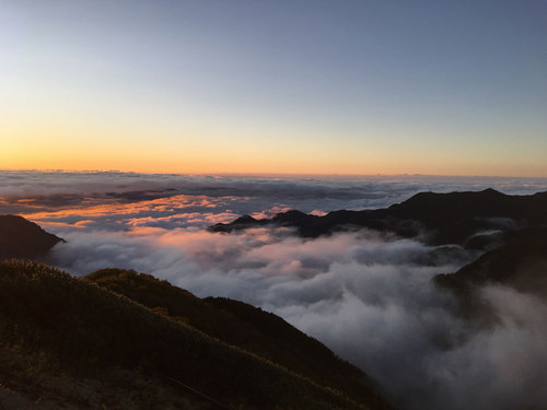 燕山荘 日の出